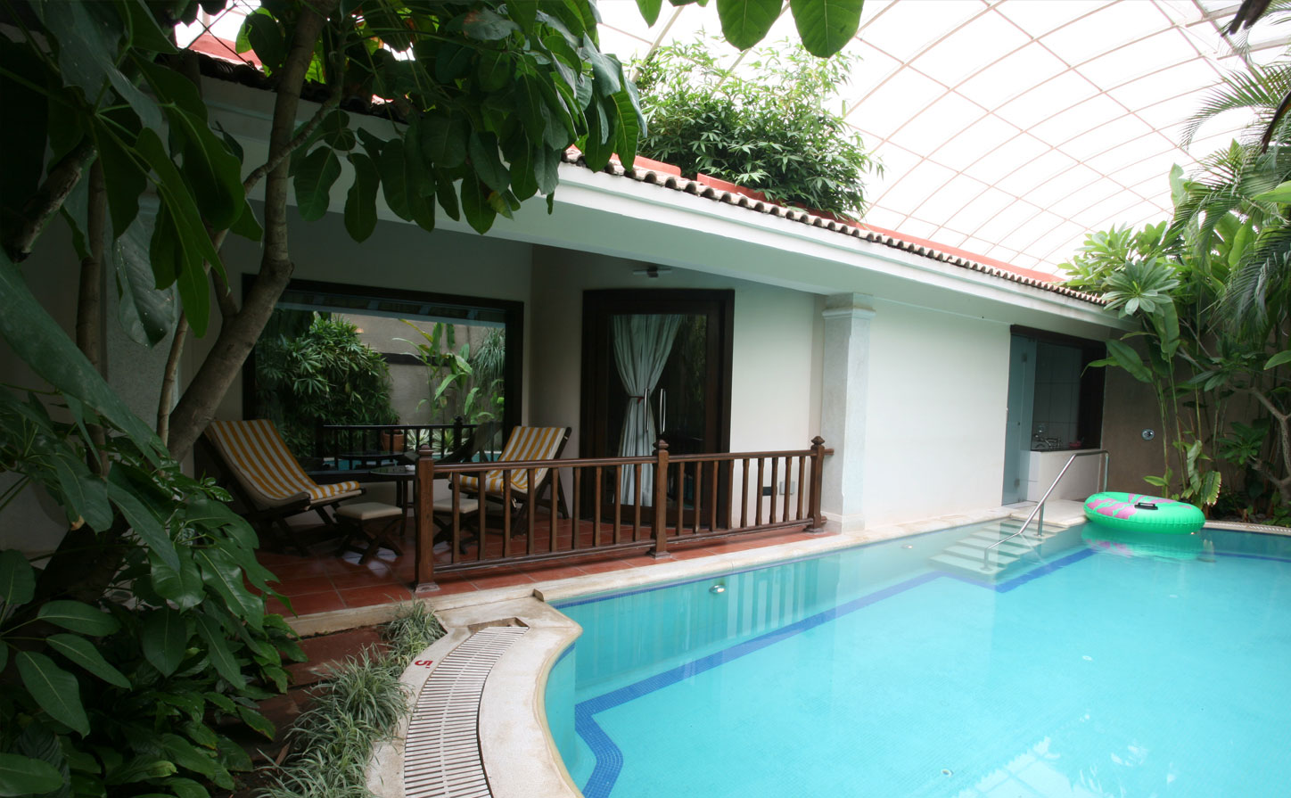 Ethnic Suite Hotels Holidays Luxury Suites Vacation